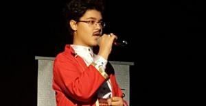 Arif Nihat Asya şiir dinletisi mest etti