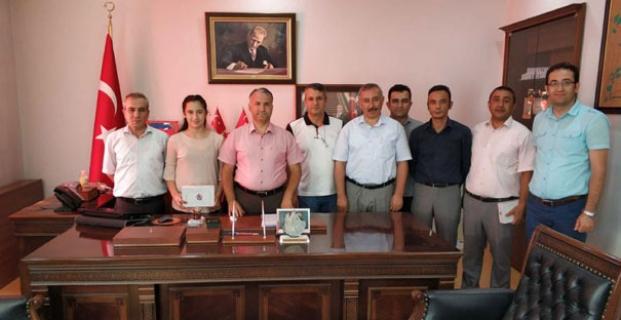Türkiye üçüncüsü Aleyna'ya ödül
