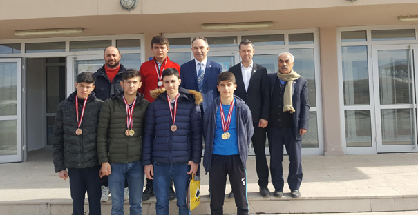 Atletizm yarışmalarına Alaca İHL damgası