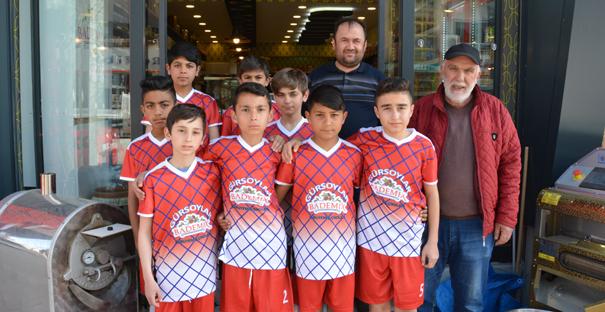 Bademix'ten Belediyespor U12 takımına forma