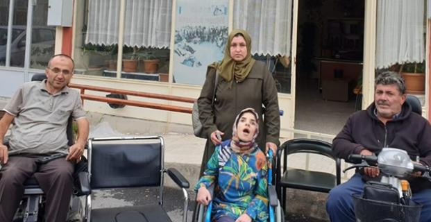 Iraklı aileye sandalye bağışı