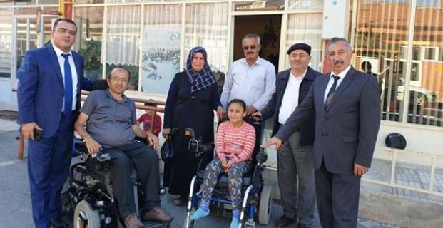 Beyzanur'a akülü sandalye