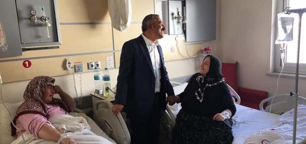 Hastalara geçmiş olsun ziyareti