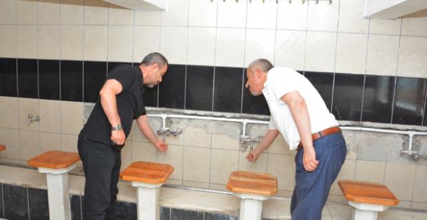 Camilere sıcak su hizmeti