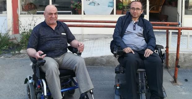 Tekerlekli sandalye yağmuru