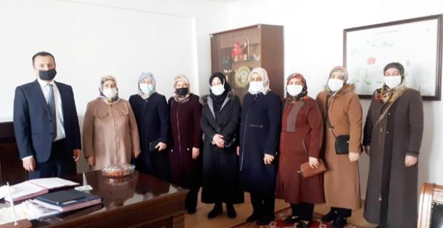 AK Kadınlardan moral ziyareti