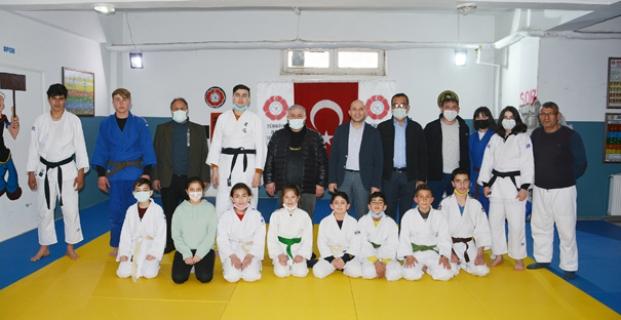 Judocuları ziyaret ettiler