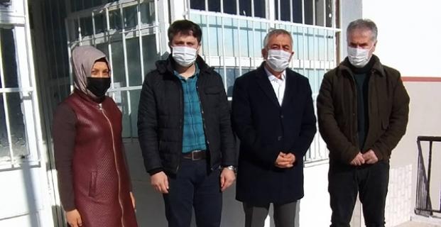 Mehmet Akif Ersoy İlköğretim Okulu'nu ziyaret etti