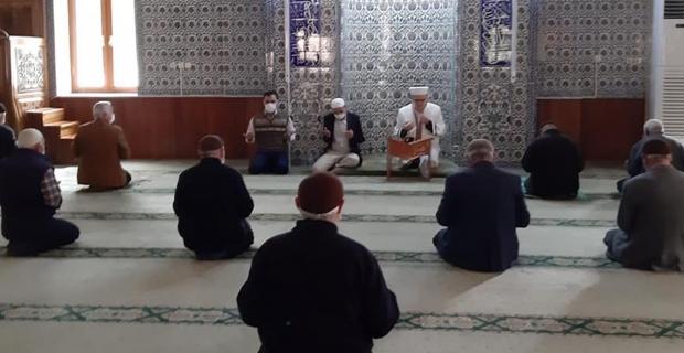 Vefat eden din görevlileri dualarla anıldı
