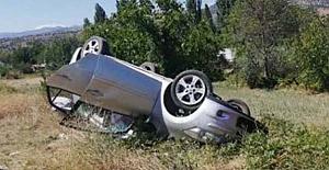 Araç devrildi: 5 yaralı