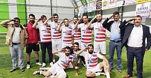 Turnuvanın şampiyonu Evcispor