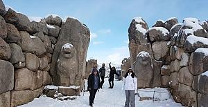 Turist rehberleri Alaca'yı gezdi