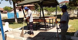 Alaca'da parklara bayram temizliği