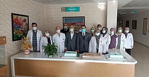 Tefâni Pastanesi'nden sağlık çalışanlarına jest