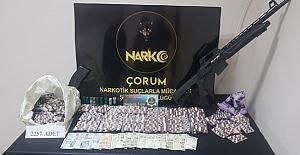 Alaca'da uyuşturucu operasyonu