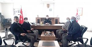 MHP İlçe Teşkilatı'ndan polislere kutlama