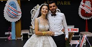Şahin ve Büşra dünya evine girdi