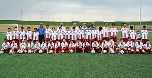 Yaz futbol okulu başlıyor