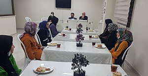 Kaleli Kız Kur'an Kursundaki öğrencilerle bir araya geldi