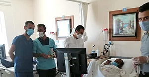 Personel ve hastalarla bayramlaştılar