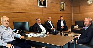Başkan Gür, Zeki Gül'ü ziyaret etti