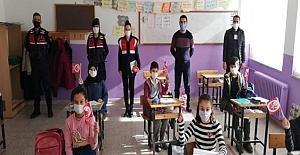 Çocuklara Atatürk'ü anlattılar