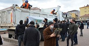 Alaca Belediyesi, 2500 adet fidan dağıttı